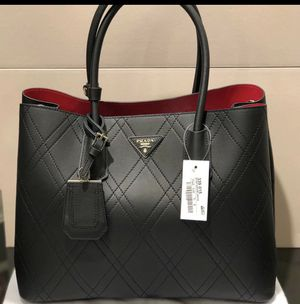Prada bag for Sale in Pasadena, TX