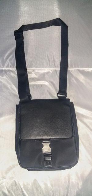 Calvin Klein Messenger Bag for Sale in Hutchins, TX