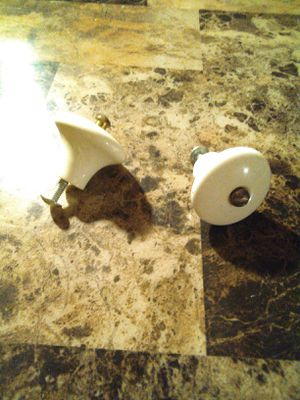 "Antique CABINET KNOB DRAWER PULL WHITE PORCELAIN 1-3/8"" X1"" SMALL CABINET KNOBS for Sale in Shepherdsville, KY"