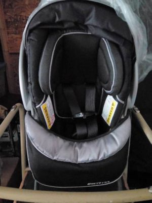 Baby Trend Inertia Infant Car Seat for Sale in Columbus, OH