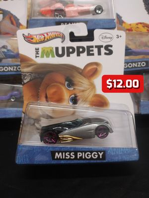 2012 Hot Wheels The Muppets Disney Miss Piggy Collector Character Cars 1:64 for Sale in Oakland, CA
