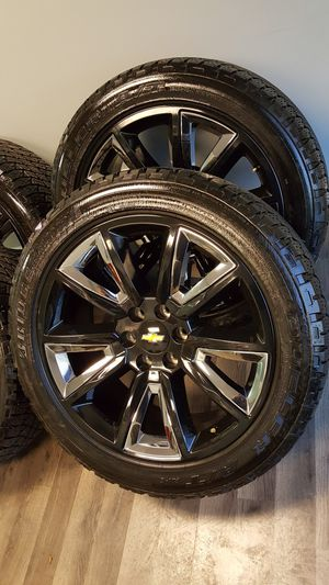 New 22 inch black and chrome wheels with tires like new (hablo español) for Sale in Elgin, IL
