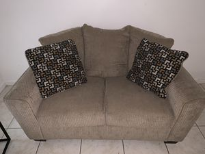 Slightly Used Love Seat and Sofa for Sale in Deerfield Beach, FL