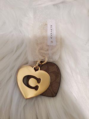 NWT COACH HEART SIGNATURE BAG CHARM/KEYCHAIN for Sale in San Jacinto, CA