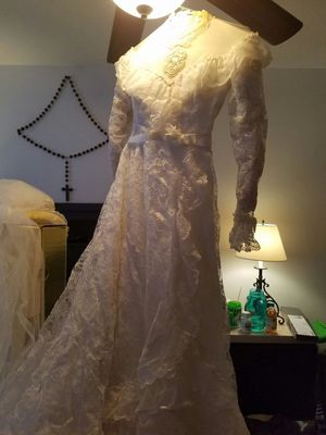 Wedding dress for Sale in Winter Garden, FL