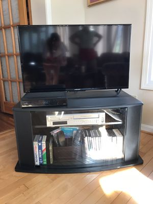 """36"""" TV Stand for Sale in STRATHMR MNR, KY"""