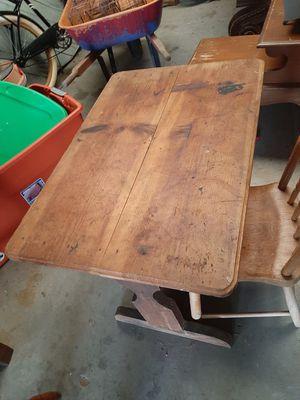 Vintage pine desk for Sale in Dexter, GA