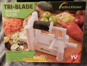 Tri-Blade Vegetable Slicer for Sale in Gladewater, TX