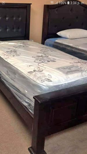Pinewood Bed Twin Size for Sale in Pasadena, CA