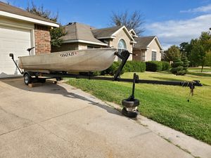 Aluminum Boat, Trailer, and Trolling motor for Sale in Mansfield, TX