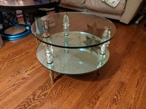 Gorgeous antique table for Sale in Tinley Park, IL