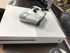 Xbox one s (one controller) READ PLEASE for Sale in Dearborn, MI