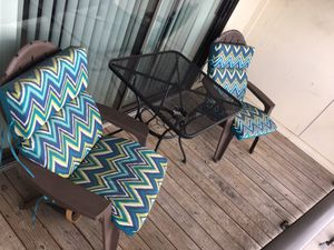 Patio table and chairs (with cushions) for Sale in Silver Spring, MD