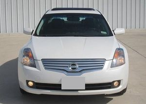 2007 Altima Price $1OOO for Sale in Lafayette, LA