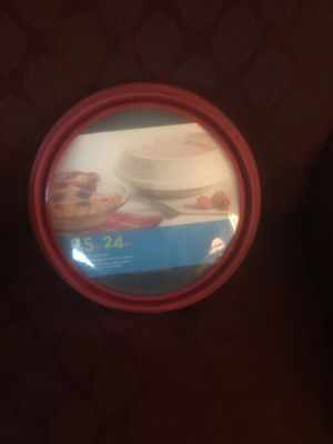 NEW. PYREX BAKING DISH 9 inch ROUND WITH SNAP ON LID for Sale in Hayward, CA