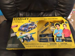 Stanley Jr 2 wood kits and 5 PC tool set for kids age 8 for Sale in Fort Worth, TX