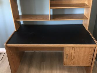 2 Piece Desk And Shelf Unit. for Sale in Everett,  WA
