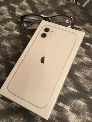 iPhone 11 White 64 gb * LIKE NEW* FOR AT&T for Sale in San Diego, CA