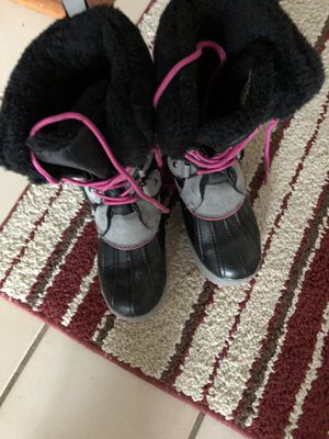 Totes girls boots size 1 for Sale in Orland Park, IL
