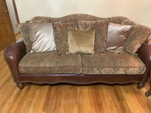 2 Sofa's coffee table and 2 end tables Excellent condition for Sale in Dearborn, MI