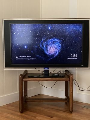 Sony LCD tv 46 with blu-ray smart player for Sale in New Haven, CT