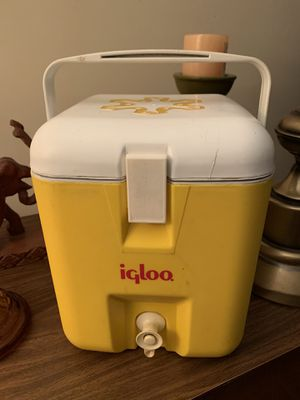 Vintage yellow igloo cooler for Sale in Cary, NC