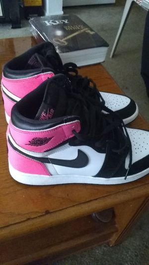 """Air Jordan 1 retro high OG GG """"Valentine's day"""" for Sale in Raleigh, NC"""