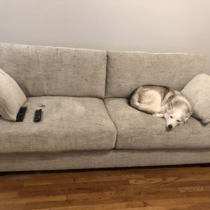 Newly Used Couch for Sale in Los Angeles, CA