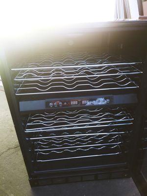 Magic Chef wine fridge for Sale in Mesa, AZ