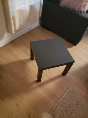 Small coffee table for Sale in Arlington, VA