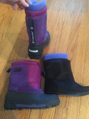 Child unisex sz 4 Columbia waterproof snow boots w removable liner. Girls or boys. Like new for Sale in WORTHNGTN HLS, KY