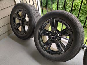 17x7,5 Wheels + Black skins for Sale in Charlotte, NC