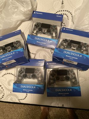 PS4 controllers NIB* for Sale in New Hradec, ND