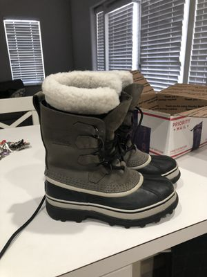 Snow boot women Sorel size 6 for Sale in Miami, FL
