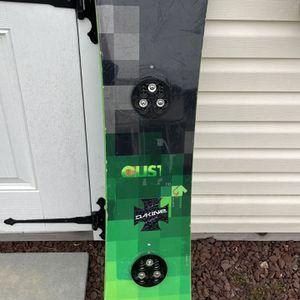 Burton custom snowboard (v-rocker)green/black 135cm for Sale in Washington Township, NJ