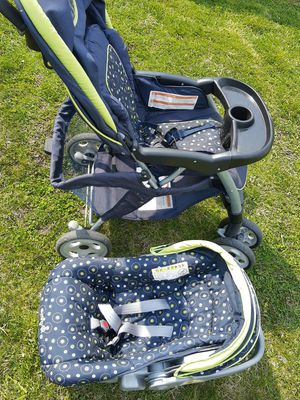 Safety stroller &car seat for Sale in Glendale Heights, IL