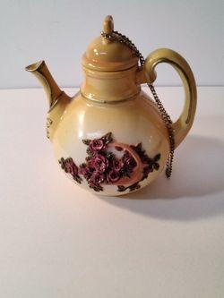 Really Small Tea Pot . for Sale in Loganville,  GA