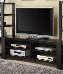 TV Stand, SKU# COA700697TC for Sale in Santa Fe Springs,  CA