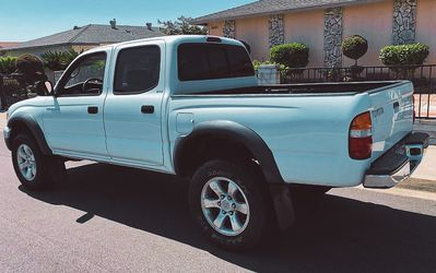2003 Toyota Tacoma Great For Your Family!!! for Sale in Wichita,  KS