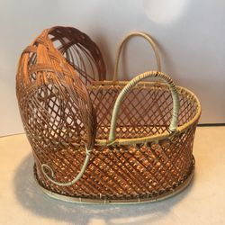 Vintage Wicker Rattan Doll Bassinet Moses Basket for Sale in Mesquite,  TX