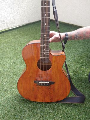 Luna Acoustic Guitar for Sale in Albuquerque, NM