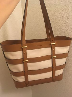 Authentic and brand new original Michael kors tote hand bag with tag ( Original price is $298+tax) for Sale in San Diego, CA