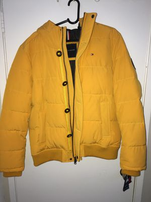 Tommy Hilfiger yellow jacket for Sale in Gaithersburg, MD