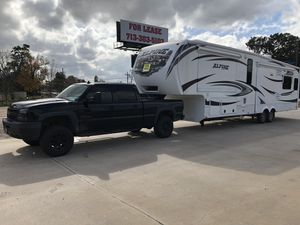 2012 Keystone Alpine comes with a truck to pull it! for Sale in Spanish Springs, NV