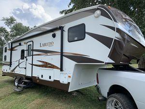 Keystone Laredo 5th wheel camper for Sale in North Canton, OH