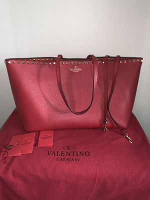 Valentino Rockstud Grainy Calfskin Tote Bag for Sale in Los Angeles, CA