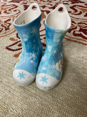Frozen Croc boots for little girl for Sale in Lakewood Ranch, FL