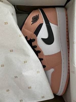 Air Jordan 1 mid size 7 for Sale in Allentown, PA
