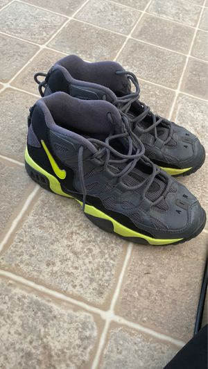 Nike's size 7y for Sale in Fort Leonard Wood, MO