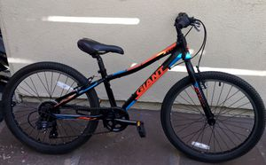 """24"""" Giant Jr Youth Mountain Bike- Great Condition for Sale in Irvine, CA"""